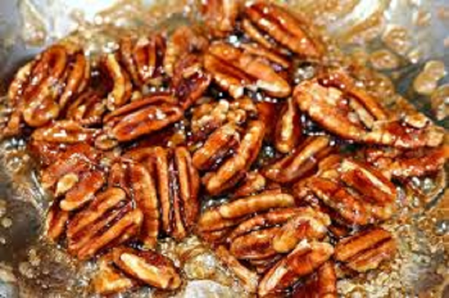 The Health Benefits of Eating Pecans