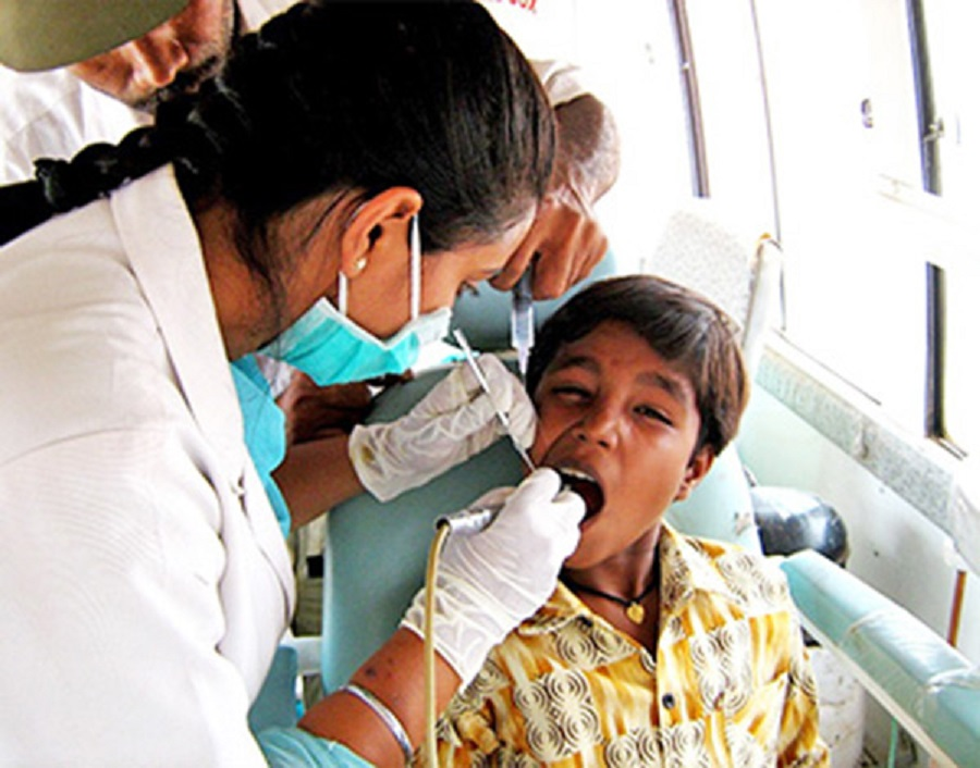 UK University Students to Give Dental Health Help to India's Poor