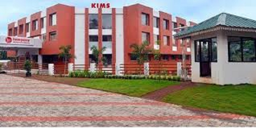 Surgery at KIMSHEALTH Kottayam Helps Old Woman with Shattered Shoulder